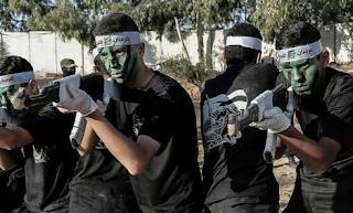 Hamas holds war-ready summer camp graduation