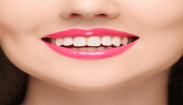11 Cara menyembuhkan bibir kering dan hitam