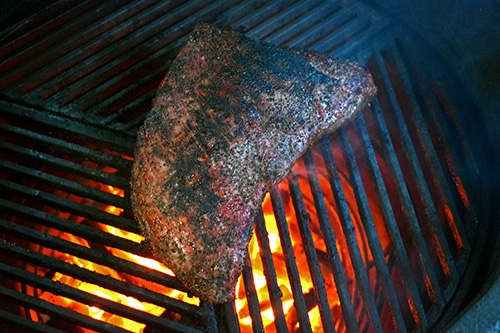 Searing a tri-tip roast on a Big Green Egg with Craycort Cast Iron Grates