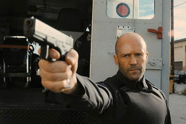 CINEMA: Jason Statham e o diretor Guy Ritchie retomam parceria nos cinemas em Infiltrado (COM VÍDEO)