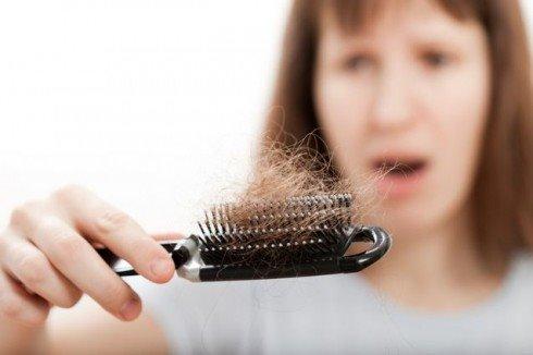 Làm điều này 1 tháng 1 lần giúp bạn vĩnh biệt rụng tóc mãi mãi