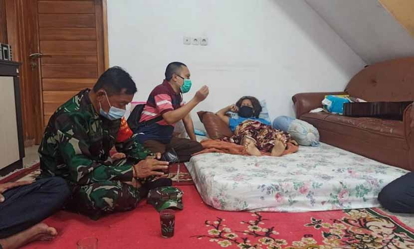 Luput dari Pendataan, F-PKS Sambangi Istri Pendeta Korban Longsor Sumedang
