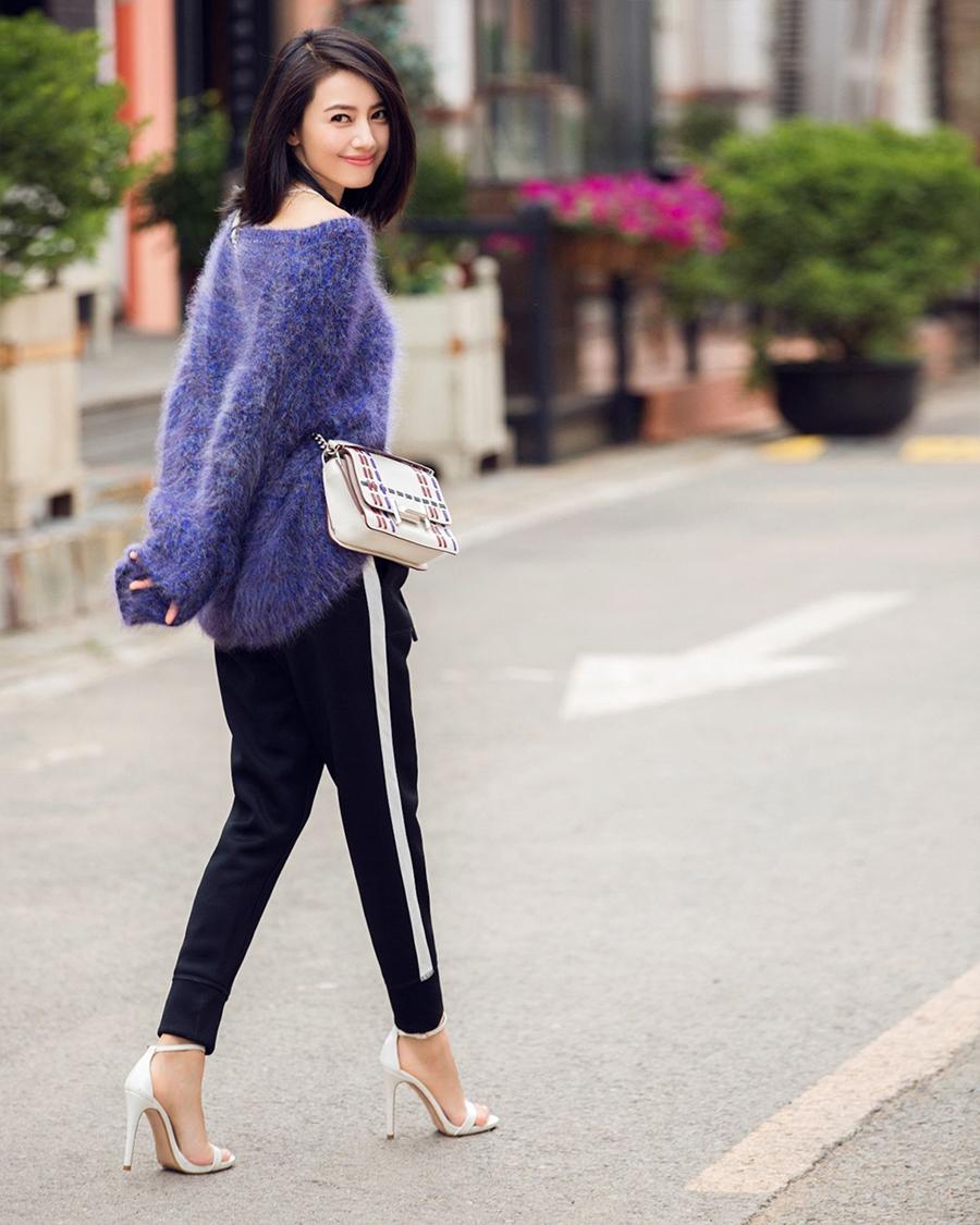 Gao Yuanyuan cewek manis dan hot cantik rambut hitam panjang senyum manis