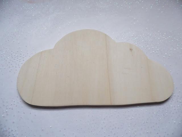 petite planche nuage en bois