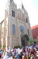 Hukum Sholat ditempat peribadatan agama lain