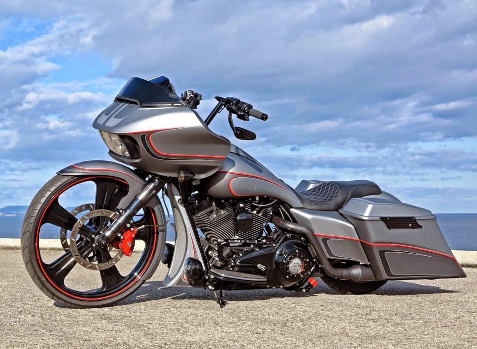 Racing Cafè: Harley Road Glide