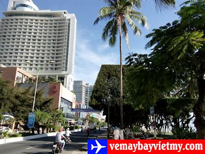Mua vé máy bay đi Nha Trang giá rẻ tại Hóc Môn