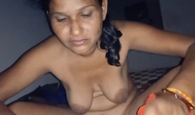 Desi Sexy Wife Loves To Blowjob