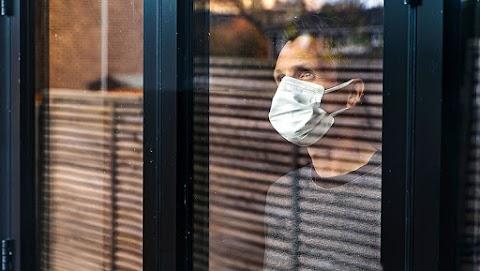 Még orvosok is bedőltek a maszkcsalóknak, rendőreink elfogták őket – videó