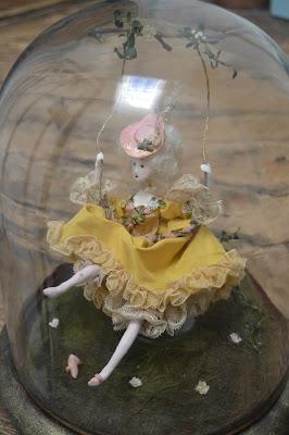 marquise inspiration Fragonard l'escarpolette, maison du Roy, CathyVagnon, globe en verre