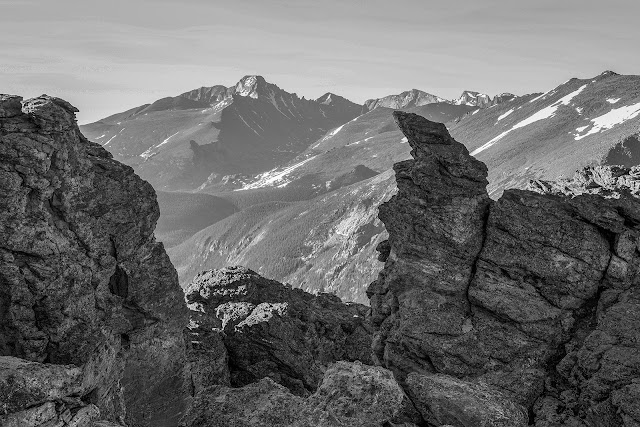 Rock Cut photography location along Trail Ridge Road with Longs Peak