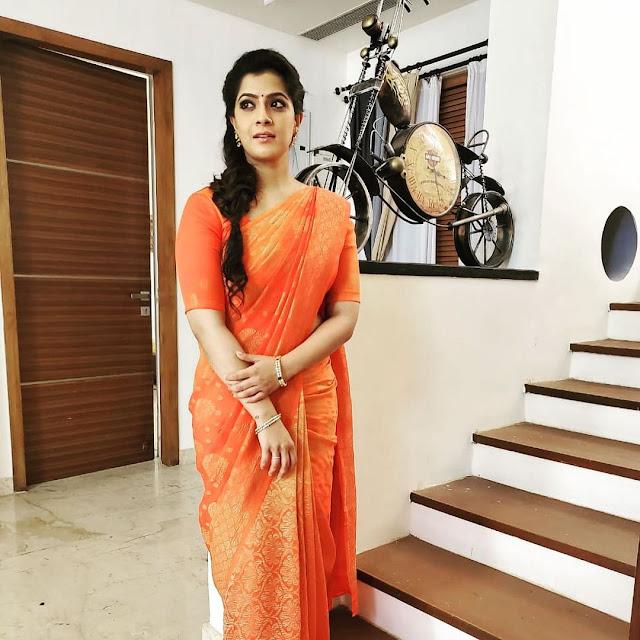 Varalaxmi Sarath Kumar (Indian Actress) Biography, Wiki, Age, Height, Family, Career, Awards,  and Many More