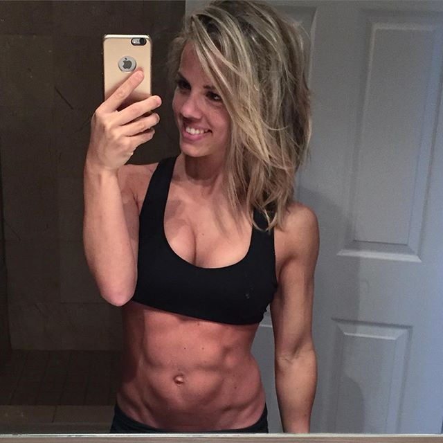Fitness Model Emilie Provencher photos