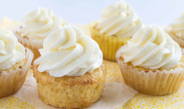 Pineapple Bliss Cupcakes , Weight Watchers Recipes , Pineapple Fluff Cream Cheese Frosting