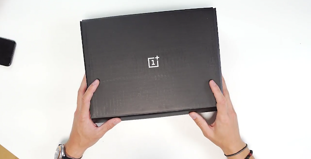 OnePlus 5T Early Unboxing Photos