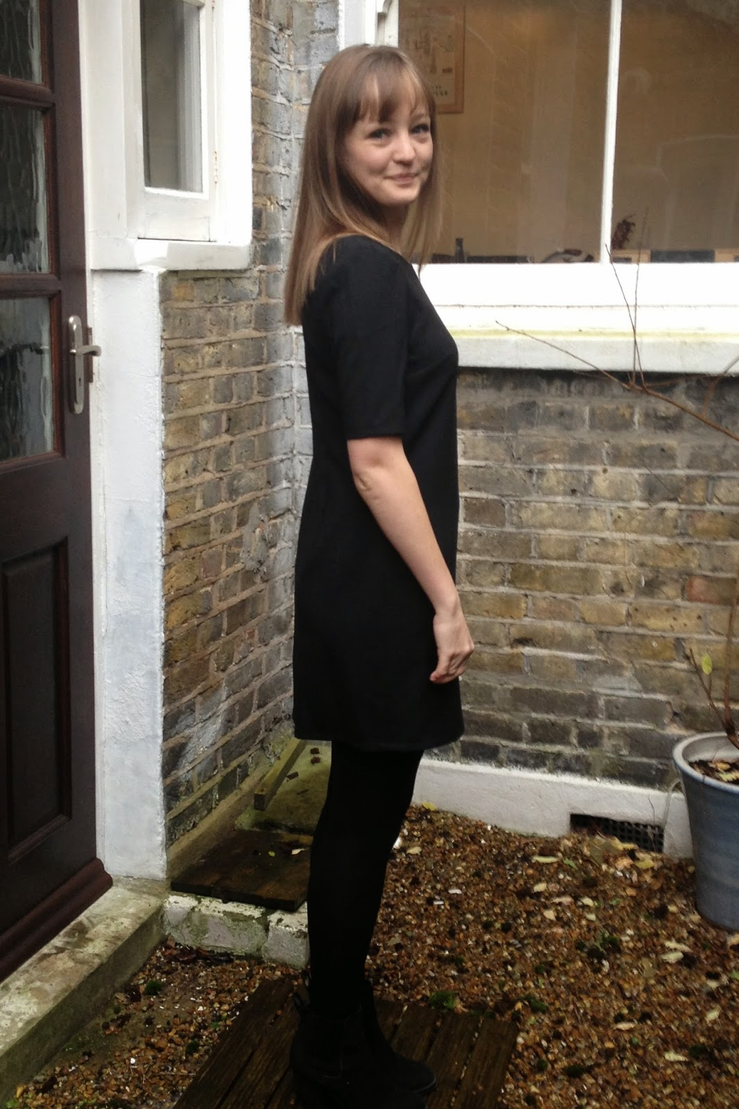 Diary of a Chain Stitcher: Little Black Colette Laurel Dress in Mood Fabrics Wool Sateen