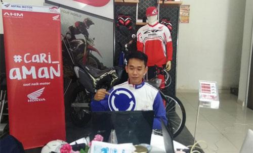 Honda Kalbar Edukasi Safety Riding  Dengan menggelar Webinar