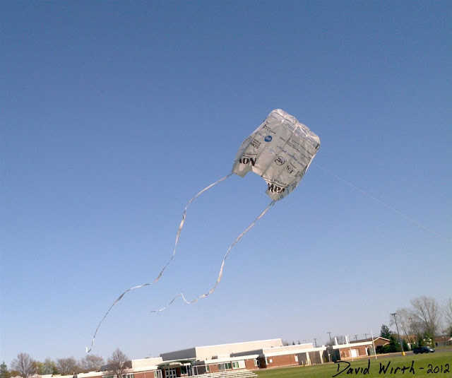 flying my tyvek kite, make, made, tyvek, house wrap