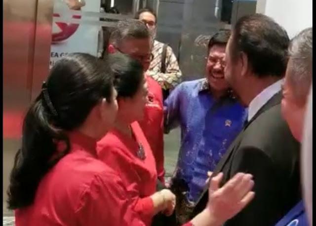Surya Paloh kepada Megawati: Jangan Ragukan Lagi Rasa Sayang Saya....