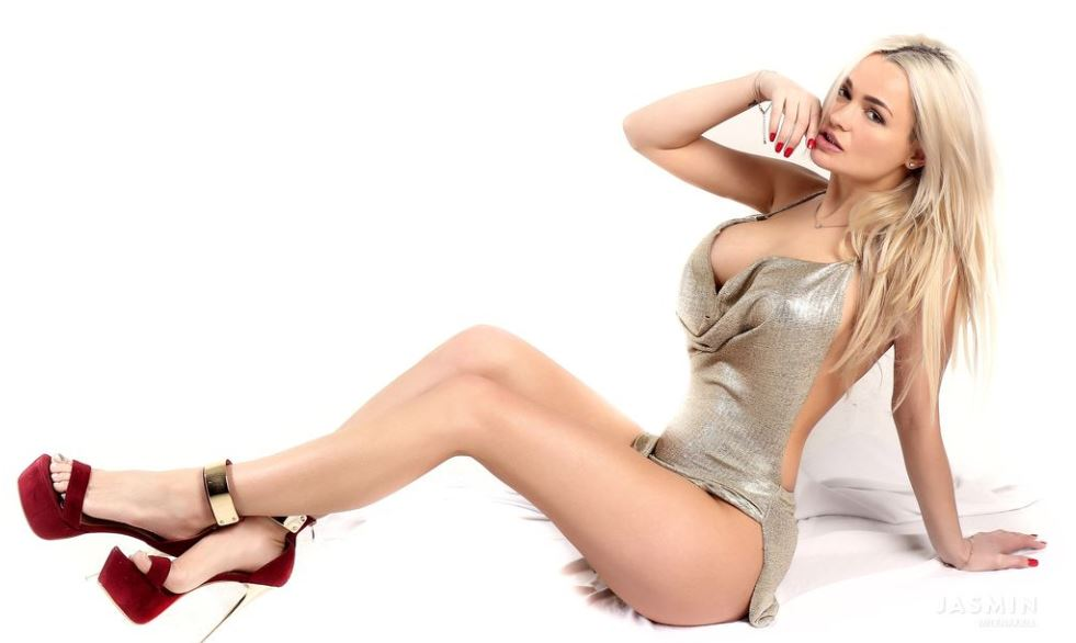 Milenaxxll Model GlamourCams