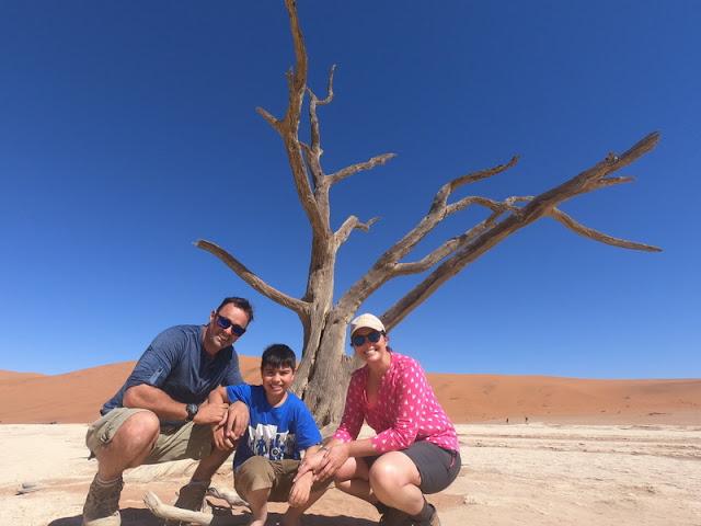 acácias mortas em Deadvlei, no sul da Namíbia