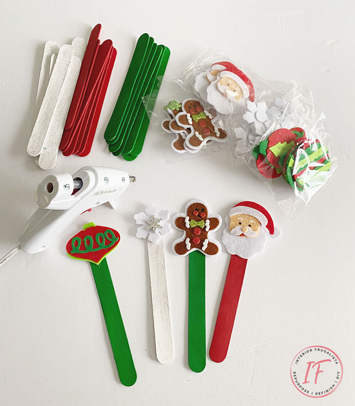 A family friendly Holiday Ice Breaker Party Game everyone, young and old, can enjoy that is easy to make and budget-friendly with dollar store finds.
