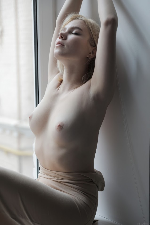 MetArt Scarlet In The Light