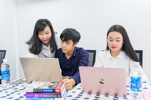 Hoạt động hỗ trợ học viên