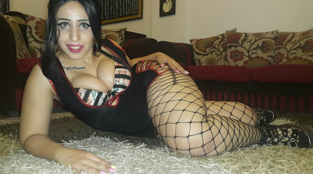 Pictures of a sexy Arab woman