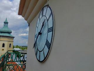 Жолква. Ратуша. Башня. Часы