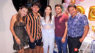 Tere Ross de Molina, con Steffy, Mauricio, Emilio y Julio Molina.