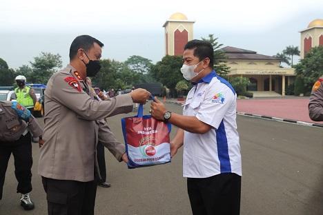 Peduli Buruh Dan Pekerja, Polda Banten Bagikan 1.200 Paket Sembako