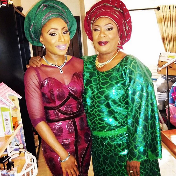 DAKORE AKANDE AND HER MUM