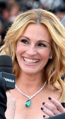 ممثلة هوليود الشقراء جوليا روبرتس