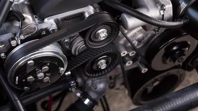 aprende ingles trafico interior coche entrañas motor piezas engranajes