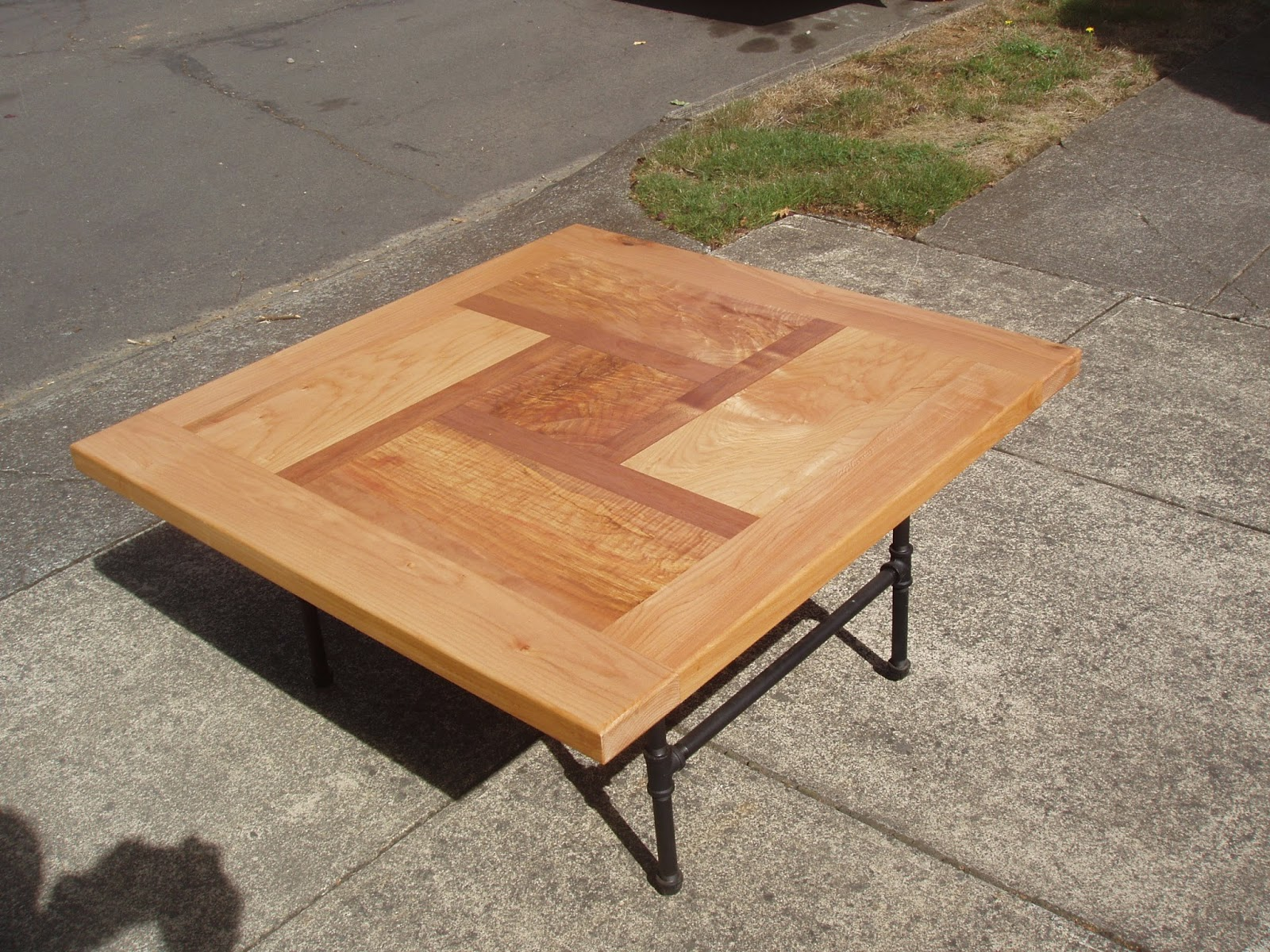 Pnw Pinwheel Design Coffee Table In Maple And Osage