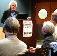 Steven Pinker speaking to an audience at the Minneapolis Book Fair