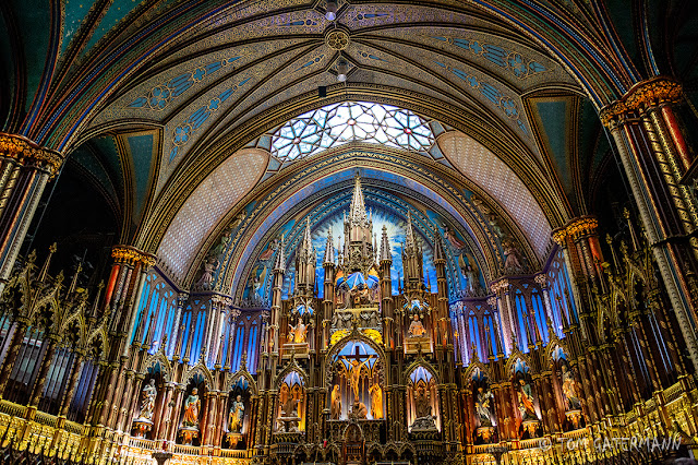 A wider, horizontal view of the main altar at Basilique Notre-Dame de Montréal.