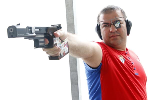"""Increíble historia del tiro deportivo cubano, que según su comisionado, presenta un """"bloqueo"""" único, pues ni balas tienen esos deportistas para entrenar."""