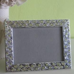 http://www.porcuatrocuartos.com/como-decorar-un-portarretratos/2186