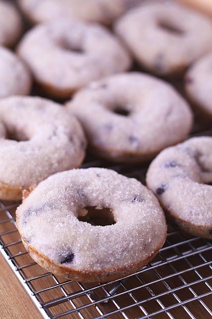Blueberry & Cardamom Baked Donuts | sweetpeasandsaffron.com