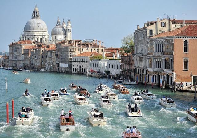 Cruzeiro aos pontos turísticos de Veneza