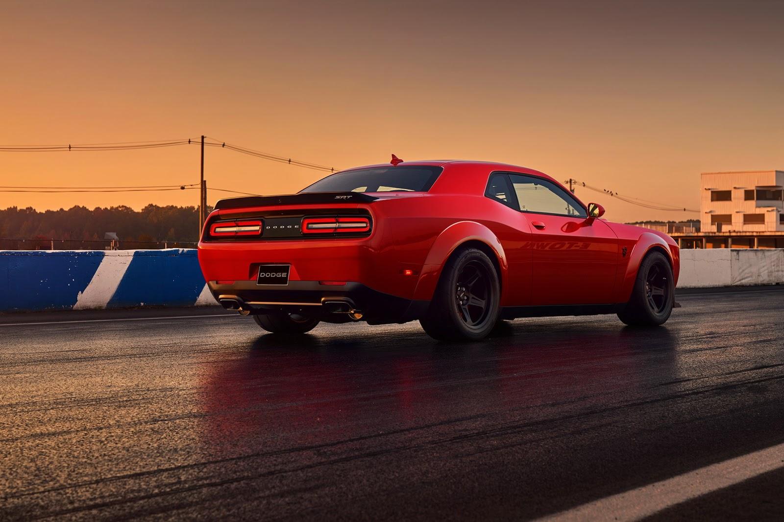 2018 dodge challenger srt demon is the world s fastest 0 60mph production car. Black Bedroom Furniture Sets. Home Design Ideas