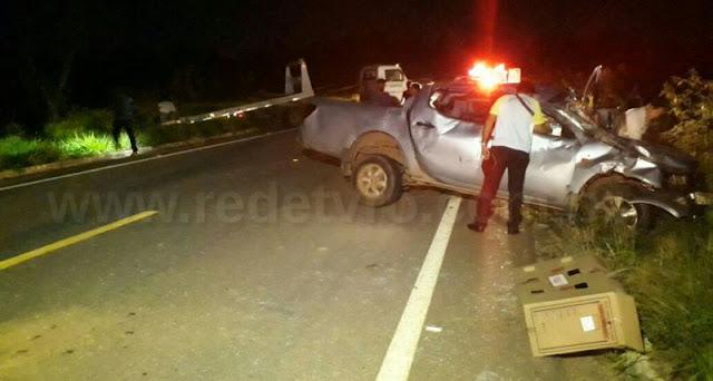 Acidente violento mata idosona BR 429 e camionete fica completamente destruída