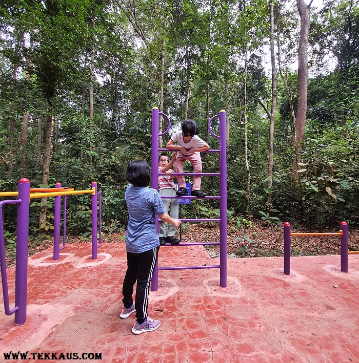 Exercise Equipment in Taman Botanikal Melaka