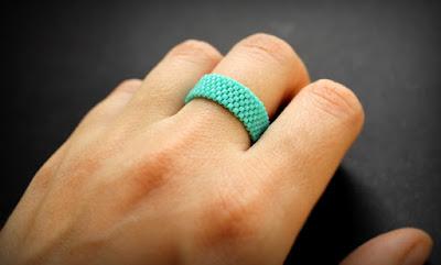 купить простое женское кольцо бирюзового цвета для каждодневной носки
