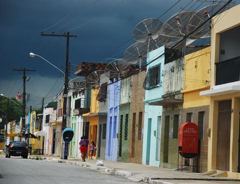 Celpe: Companhia realiza ordenamento de fiação no bairro de capuava em Goiana
