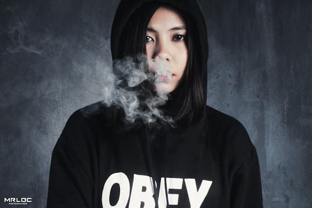 Tính cách của tôi như một màu đen u ám lan tỏa khói thuốc