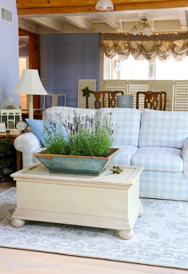 Summer Living Room Blue Decor