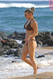 Fergiein-Bikini-2017--37+%7E+SexyCelebs.in+Exclusive+Celebrities+Galleries.jpg
